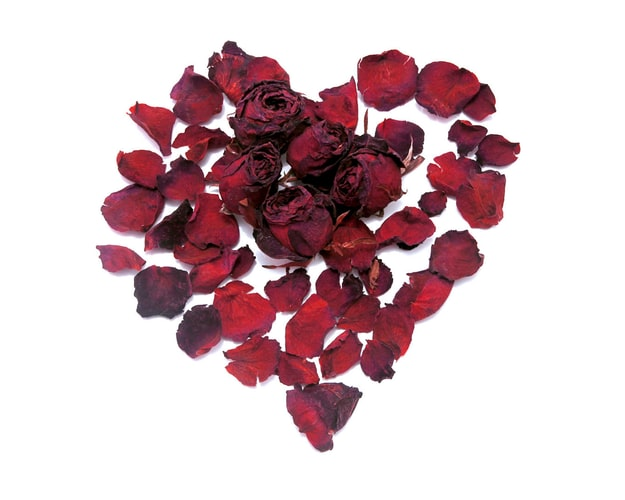 Biodegradable confetti- rose petals shaped in a heart
